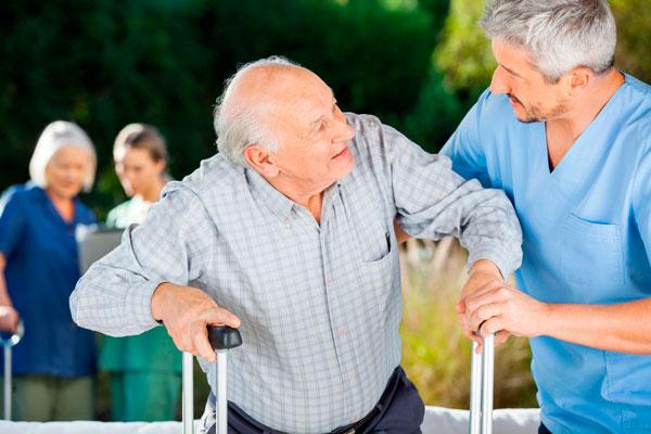 dependencia personas mayores Ayuda Familiar