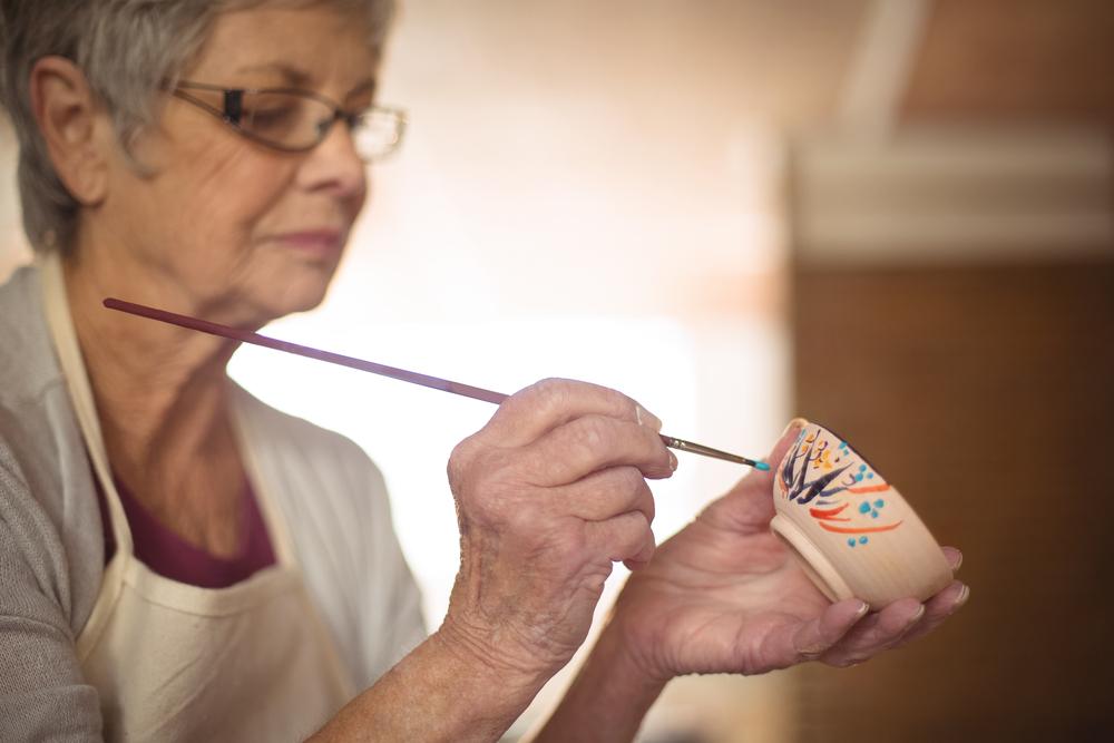 manualidades para personas mayores - ayuda familiar